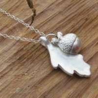 Oak Leaf and Acorn Pendant thumbnail