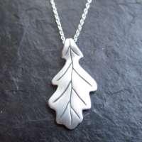 Oak Leaf Pendant thumbnail
