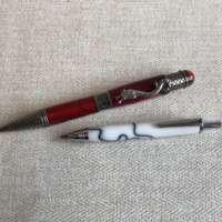 Red Dragon Pen & White Mini Artists Pencil Set thumbnail