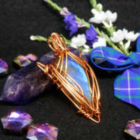 Elven Style Gemstone Necklace thumbnail