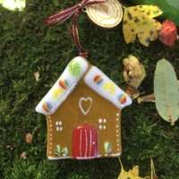 Gingerbread House Glass Decoration thumbnail