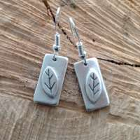 Silver Leaves and Rectangles thumbnail