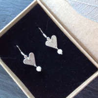 Leaf Imprint Hearts with Pearls thumbnail