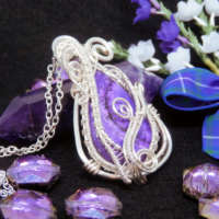 Lavender Coloured Dendritic Opal Gemstone Necklace thumbnail