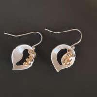 Golden Tendrils Earrings thumbnail