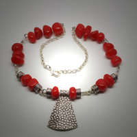 Cheerful Coral Necklace thumbnail